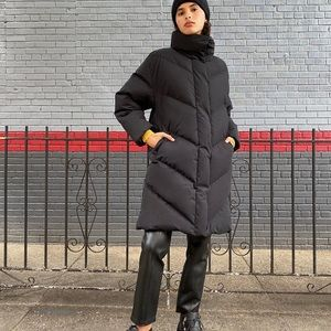 Aritzia Wilfred Cloud Puff Jacket (Black) size M